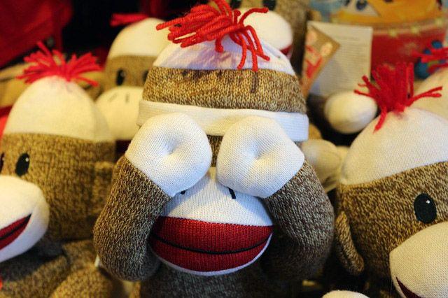 Adorno de navidad hecho con calcetines