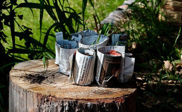 Papel periodico para reciclar en la huerta o jardin