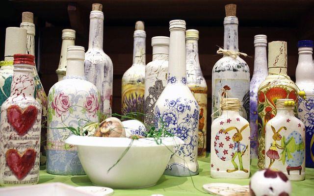 Botellas de vidrio de vino pintadas