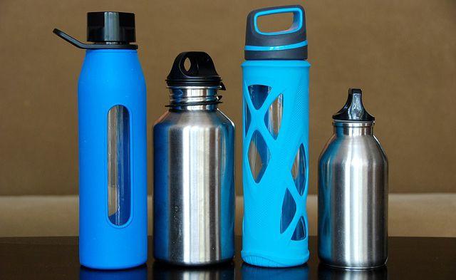botellas de agua reutilizables o rellenables