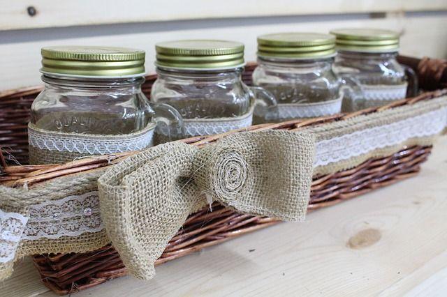 Decoración con frascos de vidrio para fiestas o baño