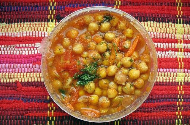 Sopa de garbanzos y tomate