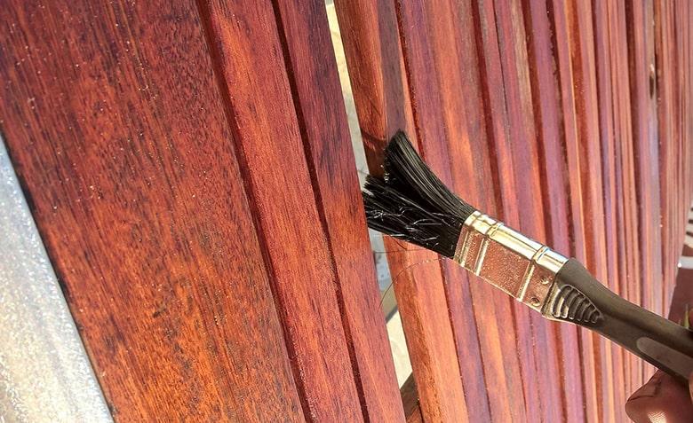Aceite para proteger la madera